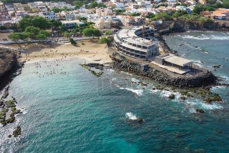 Photo pour Vue aérienne de la ville de Praia à Santiago - Capitale des Îles du Cap-Vert - Cabo Verde - image libre de droit