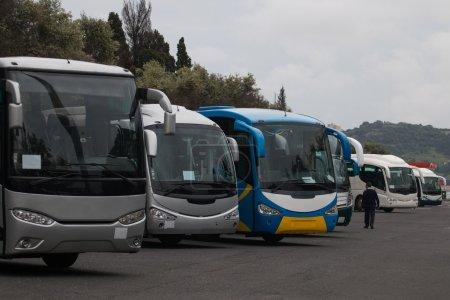 bus de tourisme stationnés à Lisbonne