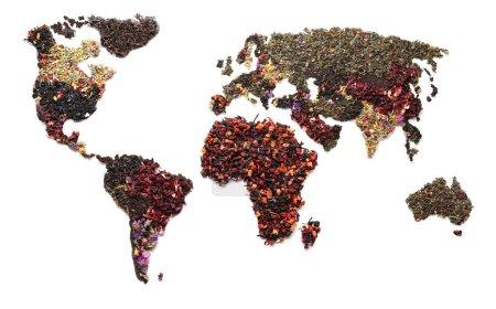 Photo pour Carte du monde faite de thé sec sur fond blanc - image libre de droit