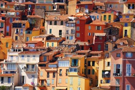 Photo pour Architecture de la vieille ville de Menton sur la Côte d'Azur - image libre de droit