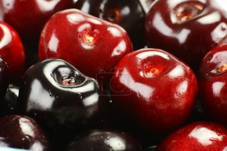Composition with fresh cherries