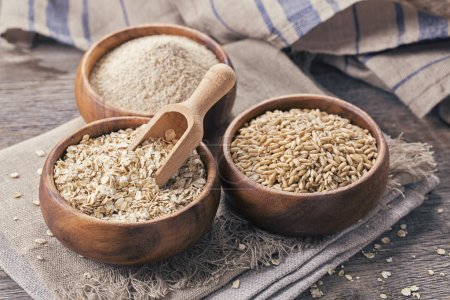 Oat flakes, seeds and bran