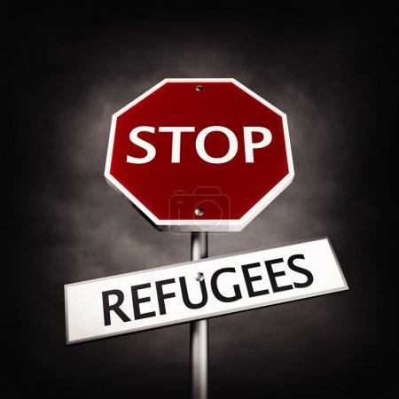 Photo pour Empêcher les réfugiés comme un panneau de signalisation - image libre de droit