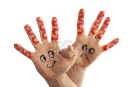Photo pour Main aidant l'autre main à aller au-delà de ses limites - image libre de droit