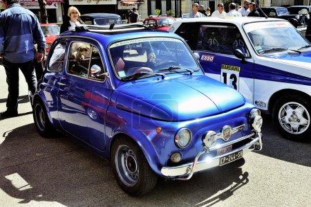 Старый Фиат 500 Абарт гонки