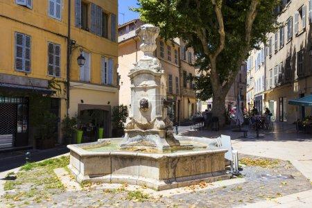 Photo pour Fontaine de Tanneurs à Aix en Provence - image libre de droit