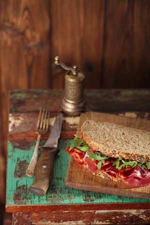 Cured meat sandwich