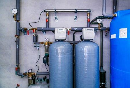 Photo pour Système de traitement des eaux usées de site avec capteurs et indicateurs. - image libre de droit
