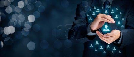 Photo pour Service et service à la clientèle, protection du client, personnalisation du client, client individuel, prise en charge des employés, CRM, service social à la clientèle, fidélisation de la clientèle, relation client, concepts de segmentation de niche marketing . - image libre de droit