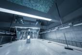 Pohyblivý eskalátor v obchodním centru
