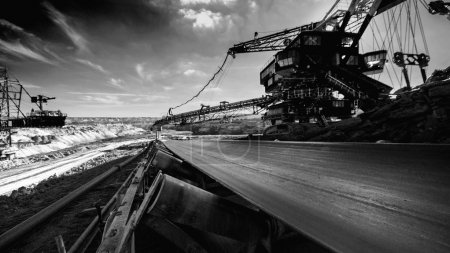 Long conveyor belt transporting ore