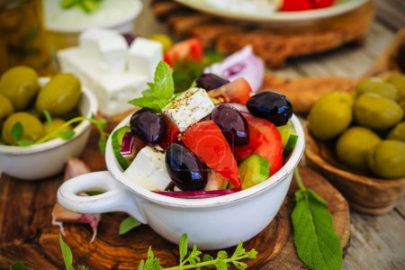 Greek salad, choriatiki