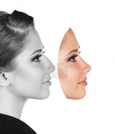 Photo pour Parfait visage féminin fabriqué à partir de parties du visage.Concept de chirurgie plastique . - image libre de droit