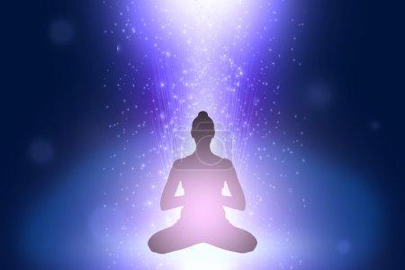 Photo pour Silhouette de jeune femme en position d'yoga dans l'espace cosmoc - image libre de droit