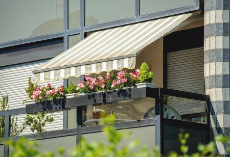 Balcony awning sun protection