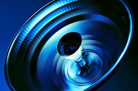 Photo pour Réflecteur de lumière bleue en milieu médical salle stérile de soins de santé - image libre de droit
