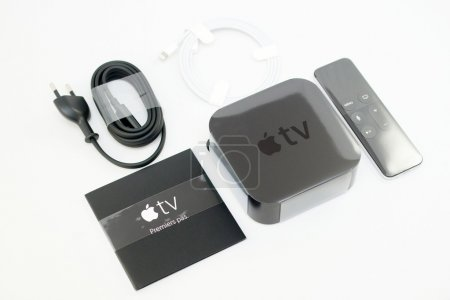 New Apple TV unboxing