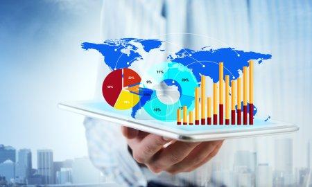 Presenting average sales report