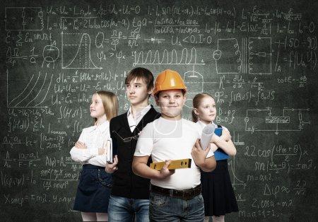 Kinder probieren Berufe aus