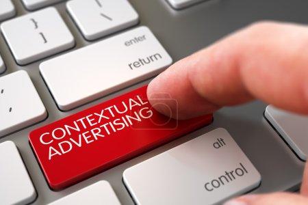 Photo pour Vue rapprochée de la main masculine touchant la clé d'ordinateur de publicité contextuelle rouge. Illustration 3D . - image libre de droit