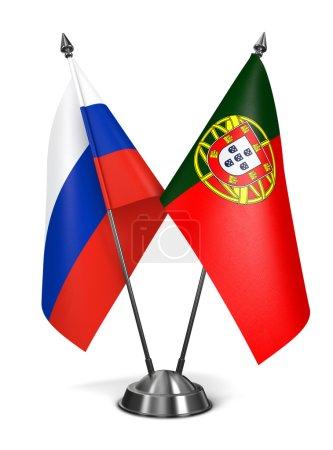 Photo pour La Russie et le Portugal - drapeaux miniatures isolée on White Background. - image libre de droit