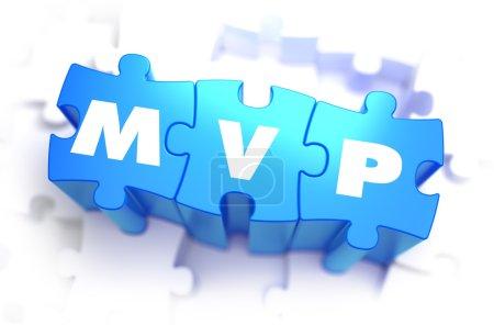 Foto de MVP - texto blanco sobre rompecabezas azules sobre fondo blanco y enfoque selectivo. 3D render - Imagen libre de derechos
