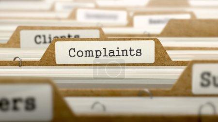 Photo pour Concept des plaintes. Word on Folder Registre du fichier de fiches. Focus sélectif - image libre de droit