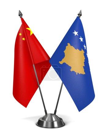 Photo pour Chine et kosovo - drapeaux miniatures isolé sur fond blanc - image libre de droit