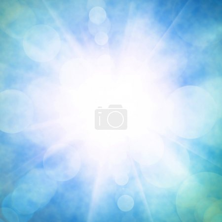 Photo pour Céleste bleu ciel avec un soleil radieux et des faisceaux lumineux - image libre de droit
