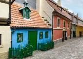 Drobné barevné domy na Golden Lane