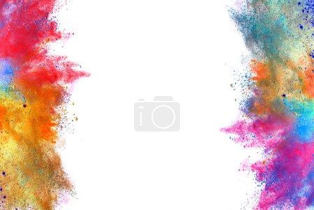 Foto de Explosión de color en polvo, aislado sobre fondo blanco - Imagen libre de derechos
