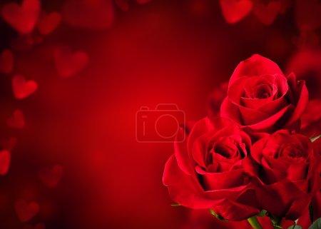 Photo pour Bouquet de roses rouges fleurit avec espace libre pour le texte - image libre de droit