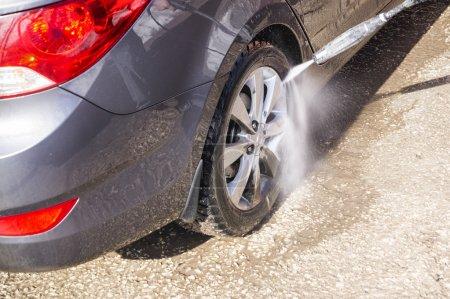 High pressure manual car washing