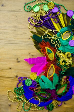 Mardi Gras decorations at table