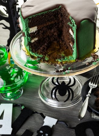 table arrangement for Halloween party