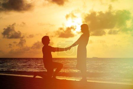 Demande en mariage à sunset beach