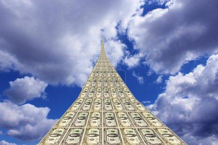 Photo pour Route inhabituelle dollar s'en aller vers le beau ciel bleu - image libre de droit