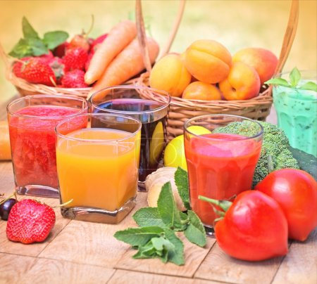 Healthy drinks - beverages (juice and smoothie)