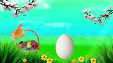 Velikonoční video pro Velikonoce. Krásné pozadí na Velikonoce. Slavnostní zázemí pro Velikonoce. Video na pozadí obrazovky pro Velikonoce. Kostel s zlatých kopulí. Pohybující se mraky, slunce svítí paprsky