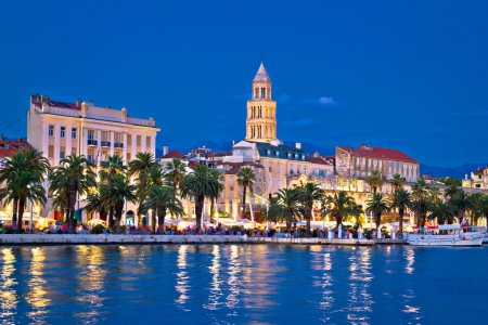 Photo pour Vue éclatante et colorée sur le front de mer, Dalmatie, Croatie - image libre de droit