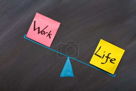 Photo pour En regardant l'équilibre entre la vie et de travail - image libre de droit