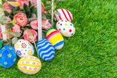 Velikonoční vejce s umělými květy