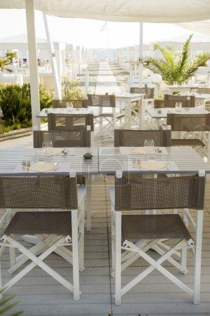 Photo pour Petit restaurant sur la plage de Forte dei Marmi Toscane Italie - image libre de droit