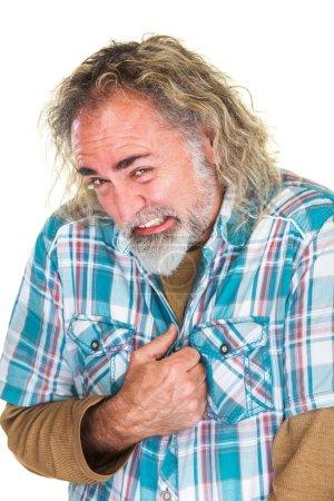Photo pour Homme âgé moyen embarrassé et humilié dans la chemise de flanelle - image libre de droit
