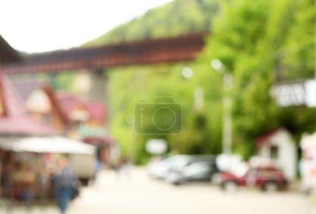 Foto de Carretera con los coches en las montañas de los Cárpatos - Imagen libre de derechos