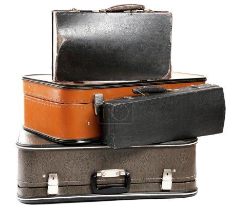 Photo pour Vieilles valises de voyage vintage, isolées sur blanc - image libre de droit