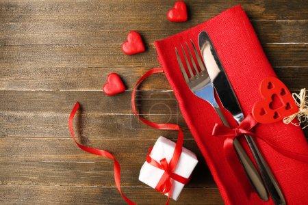 réglage de la table pour la Saint Valentin