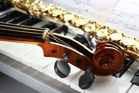 Photo pour Instruments de musique se bouchent - image libre de droit