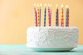 Születésnapi torta gyertyákkal
