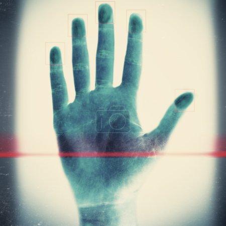 Scanning fingerprints close up